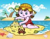 Une jeune fille jouant sur la plage